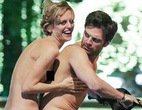 Actorul Sebastian Stan, cursă pe scuter cu o actriță irlandeză: Amândoi erau dezbrăcați!