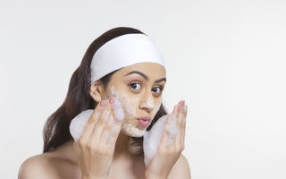 7 obiceiuri greșite care îți deshidratează pielea