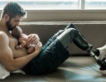 Taţii sunt supereroi! 10 fotografii incredibile