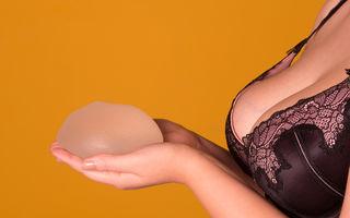 Implanturile mamare cresc riscul pentru o formă rară de cancer
