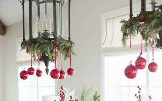 20 de aranjamente simple și interesante pentru masa de Crăciun