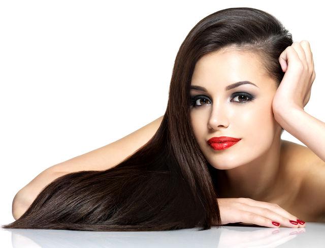 7 lucruri pe care să nu i le faci părului tau când te speli pe cap
