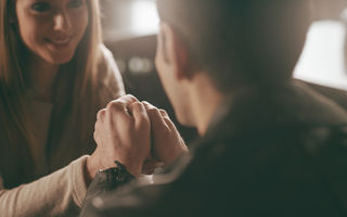 Cum să pleci cu fruntea sus de la o întâlnire romantică nereușită