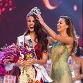 Video. Cum au reacționat părinții Catrionei Gray când fiica lor a fost desemnată Miss Universe 2018