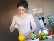 Se poate să mănânci prea multe fructe?