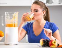 Băuturi naturale care elimină grăsimea abdominală