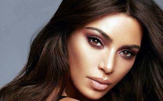 Kim Kardashian își mărește familia: Starleta va avea un băiețel cu ajutorul unei mame surogat