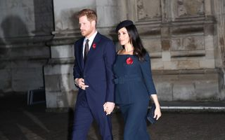 Motivul pentru care Meghan Markle și Kate Middleton țin poșetele în mâna stângă