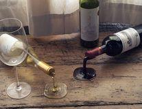 Să curgă băutura! Cel mai ingenios suport pentru sticlele de vin