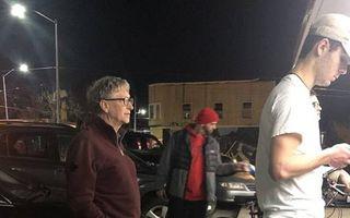 Și bogații stau la coadă: Bill Gates a așteptat la rând pentru un burger