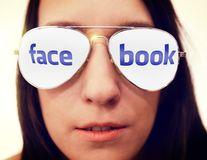 """Facebook și Twitter știu tot. Chiar și cei care n-au cont sunt urmăriți: """"Nu te poți ascunde"""""""