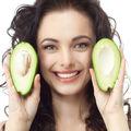 Cum să folosești avocado pentru a preveni îmbătrânirea tenului
