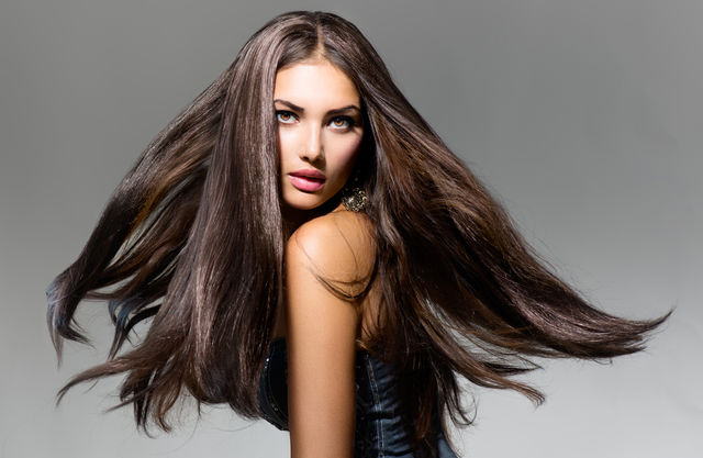 Cum să-ți îngrijești părul iarna. Sfaturile specialistului