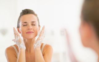 Regula de 60 de secunde: Tehnica de curățare a tenului care a devenit virală