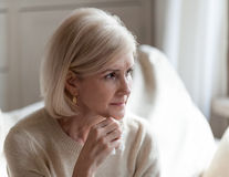 5 semne că problemele de memorie sunt de fapt Alzheimer