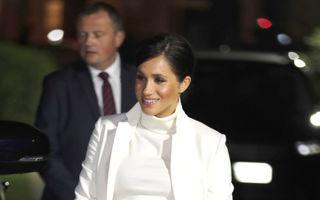 Meghan Markle, strălucitoare într-o ţinută complet albă la un eveniment alături de Prinţul Harry