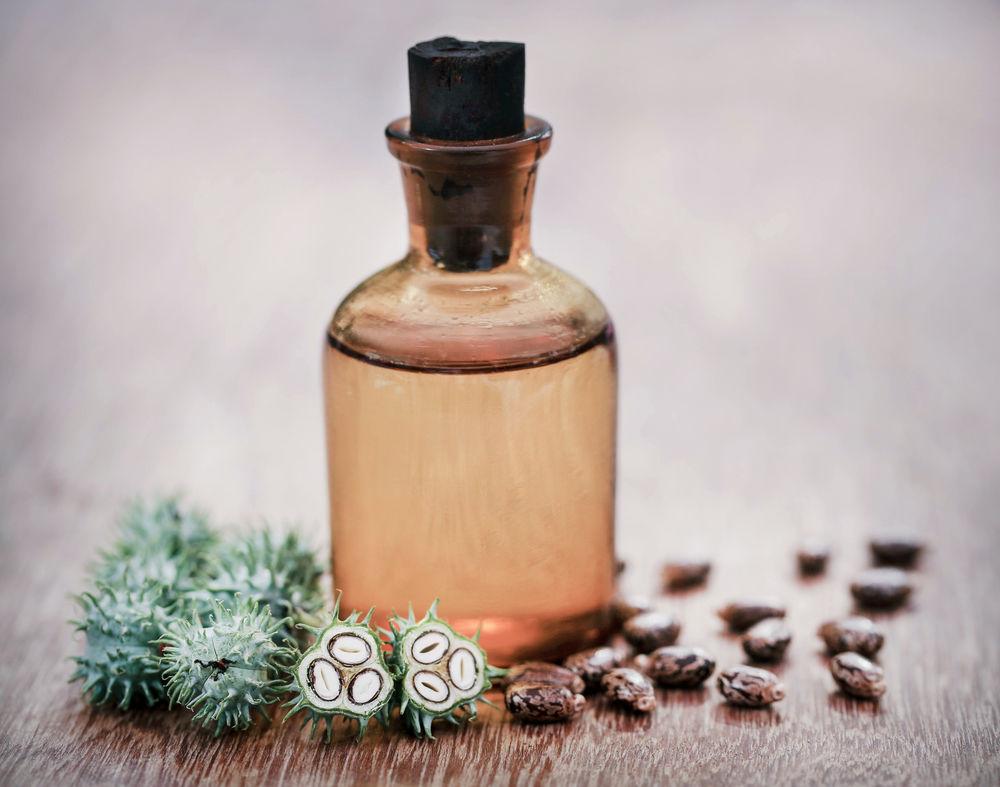 Uleiul de ricin, secretul pielii perfecte și al părului strălucitor
