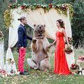 Unora le place riscul: 12 cupluri care s-au căsătorit la un pas de pericol