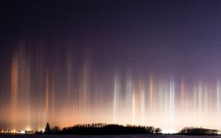 Luminile extraterestre: Fenomenul rar observat în Canada