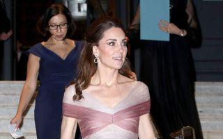 Kate Middleton, într-o rochie de prințesă și pantofi strălucitori la o gală caritabilă