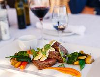 9 trucuri de la angajații restaurantelor pentru a economisi la o masă în oraș