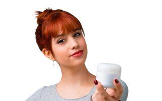 4 motive pentru care ai putea fi dependentă de produsele cosmetice