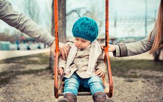 Pe cine iubești mai mult? Pe mami sau pe tati? Vă rog eu, nu mai întrebați copiii așa ceva!