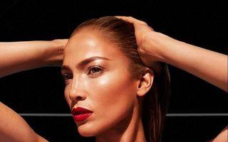 Jennifer Lopez dansează la bară, iubitul ei e fericit - VIDEO