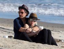 Lady Gaga s-a despărţit de logodnicul ei. Inelul de 400.000 de dolari nu i-a dus la altar
