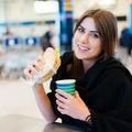 Ce să mănânci într-un aeroport: 6 sfaturi de la nutriționiști