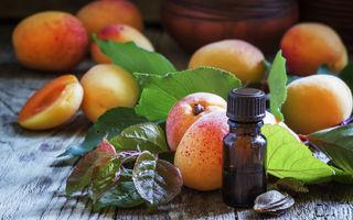 Uleiul din sâmburi de caise: 7 beneficii pentru frumusețe