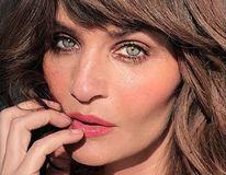 Helena Christensen, o femeie care arată periculos de bine la 50 de ani: Imaginile care o neliniștesc pe Victoria Beckham