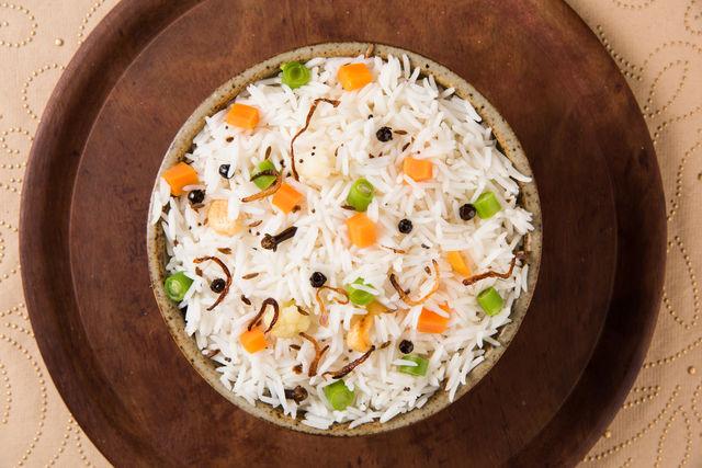Cum să gătești orezul ca să rămână bob cu bob