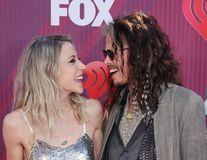 Steven Tyler, mare crai la 70 de ani: Iubita lui cu 40 de ani mai tânără nu se mai dezlipește de el!