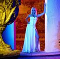 Gestul sublim pe care l-a făcut Penelope Cruz: Vedeta a vorbit cu Donatella Versace și i-a cerut binecuvântarea înainte de a o interpreta