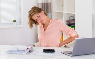 6 trucuri simple care te ajută să ai o postură mai bună zi de zi