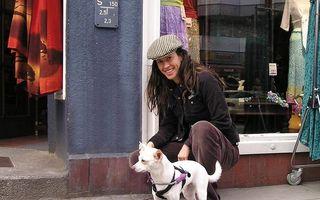Alanis Morissette, o femeie fericită: Vedeta e însărcinată cu al treilea copil, la 44 de ani