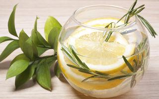 Apa cu lămâie băută înainte de culcare: beneficii și efecte secundare
