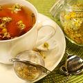 Ceaiul de mușețel: remediul ideal pentru pielea sensibilă sau afectată de rozacee
