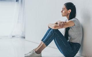 Cum îți dai seama dacă o persoană este deprimată, deși pare fericită