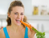 8 beneficii ale morcovilor pentru piele și păr