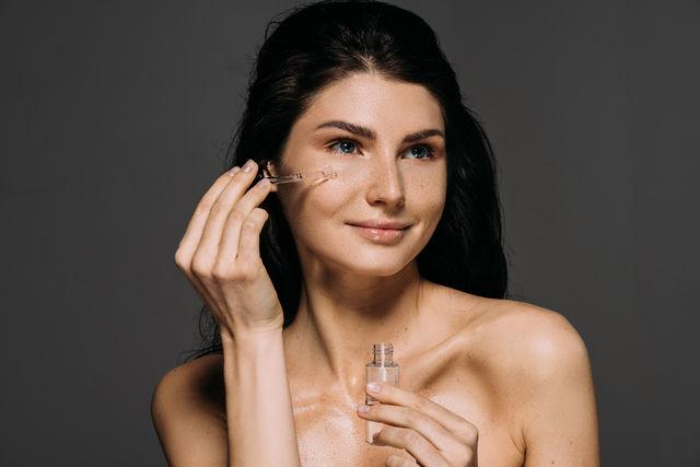 De ce este importantă niacinamida sau vitamina B3 pentru piele