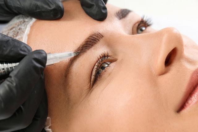 Tot ce trebuie să ştii despre micropigmentarea sprâncenelor