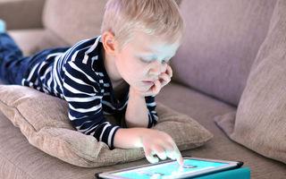 Un copil a blocat tableta tatălui său până în anul 2067