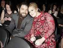 Adele divorțează: Soțul ei îi ia jumătate din avere