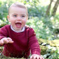 Prințul Louis a implinit un an: Kate Middleton i-a pozat primii dințisori