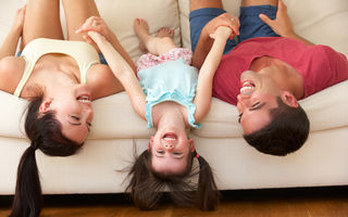 4 zodii care adoră să râdă
