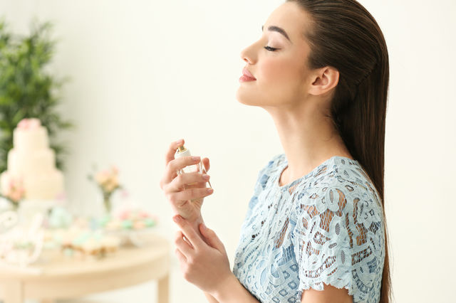 5 parfumuri pentru persoanele sensibile la mirosuri puternice