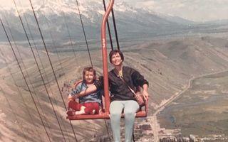 Cum se creșteau copiii în trecut. 20 de imagini amuzante care le dau fiori părinților de azi