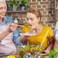 8 bunici din jurul lumii și ce le place să gătească